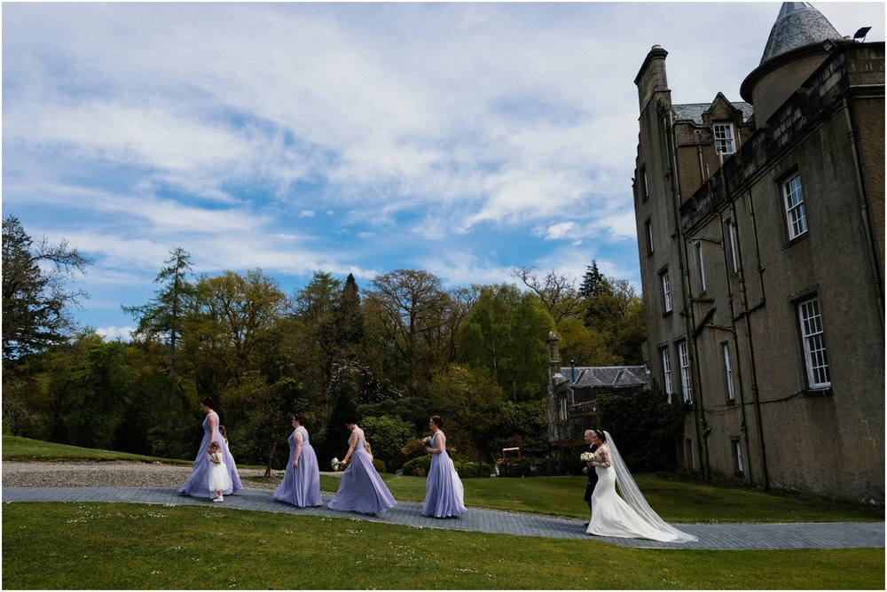 Scottish Summer Lochside Wedding_Boturich Castle_Euan Robertson Photography_009_WEB.jpg