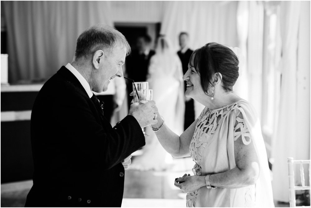 Scottish Summer Lochside Wedding_Boturich Castle_Euan Robertson Photography_021_WEB.jpg