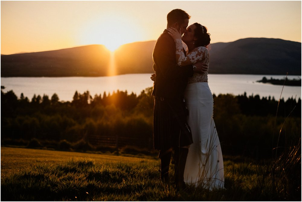 Scottish Summer Lochside Wedding_Boturich Castle_Euan Robertson Photography_044_WEB.jpg