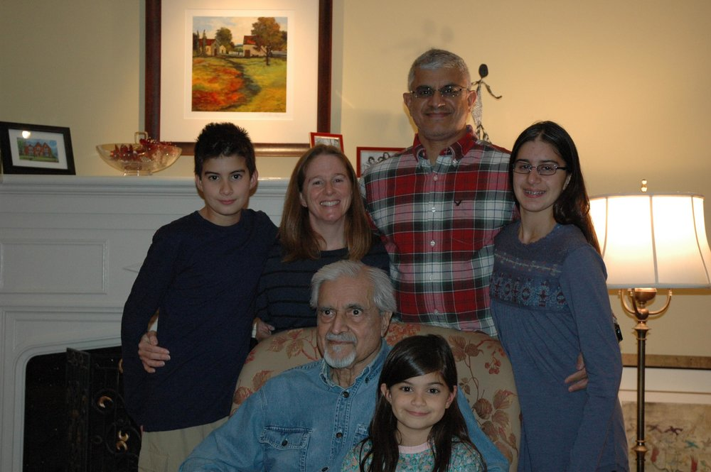 Asie, Kim, Z, Aliya in back.  Z's dad and Amira in front.  Taken Thanksgiving 2016.