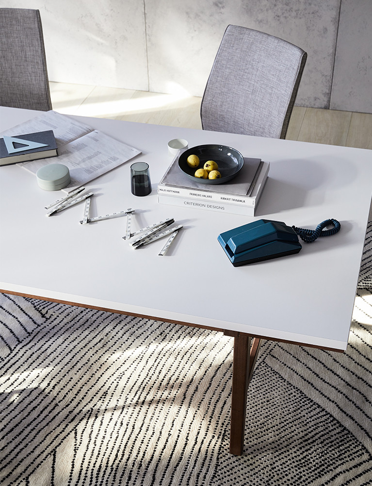 modern-meeting-table-lifestyle_03.jpg
