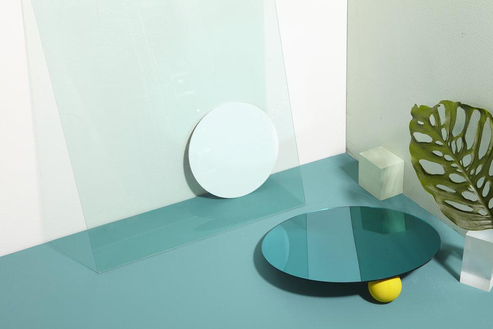 ecom-features-mirror-reflection-v2-fa17-0467.jpg