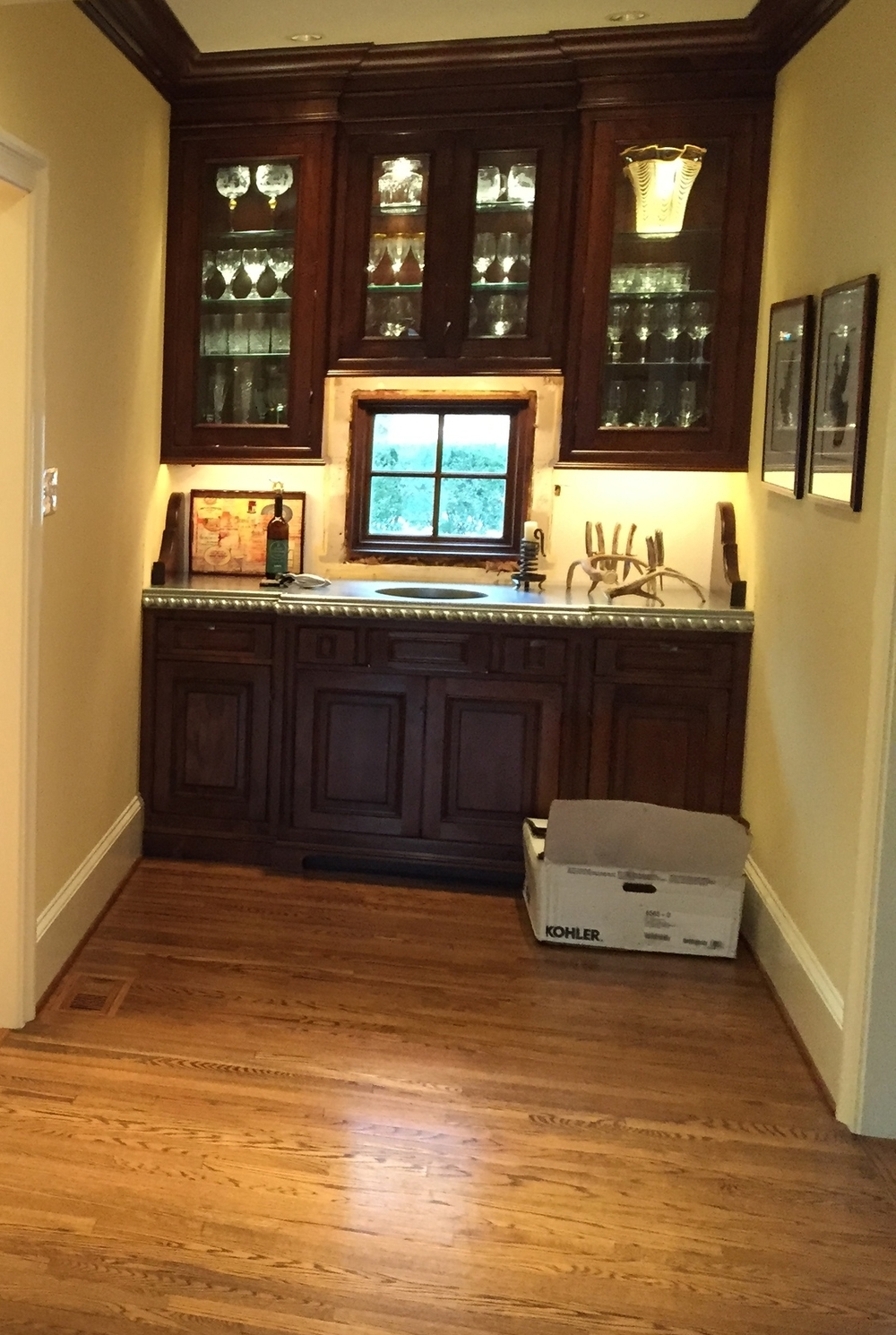 Under-cabinet & interior cabinet lighting.