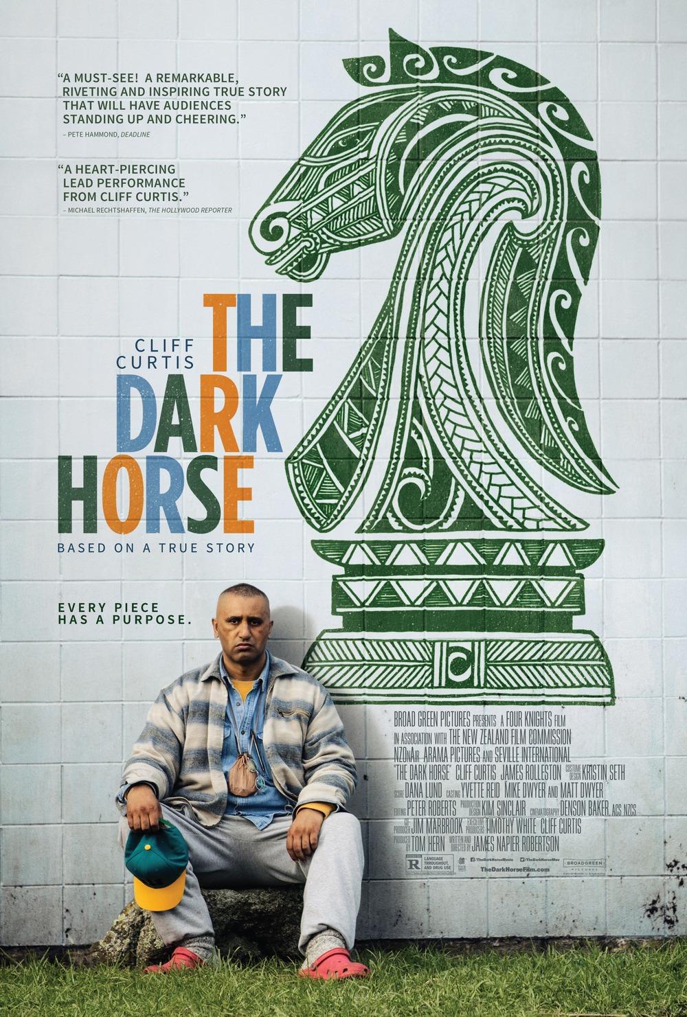 the-dark-horse-2014-02.jpg