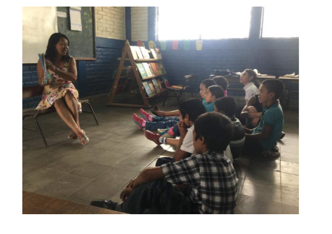 Now that they have books and received teacher training both students and teachers love the daily read aloud at   Hadas de los Reyes school.