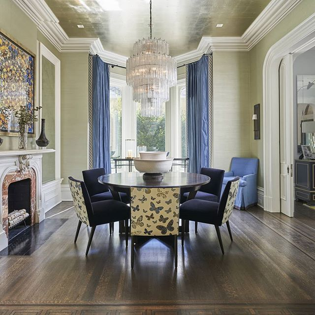A dining room that sets the stage for a great meal!  @mikeyschwartz photography  #designinspiration #interiordesign #chicagoliving