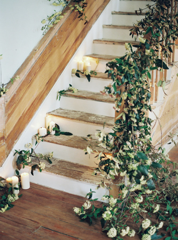 Greenery-and-Candles-on-Staircase-600x806.jpg