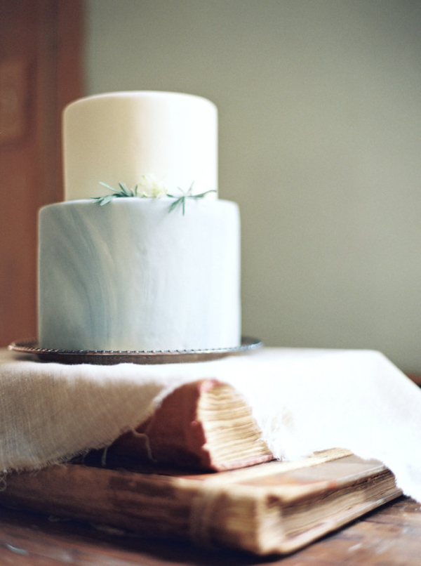 Petite-Marbled-Wedding-Cake-600x806.jpg