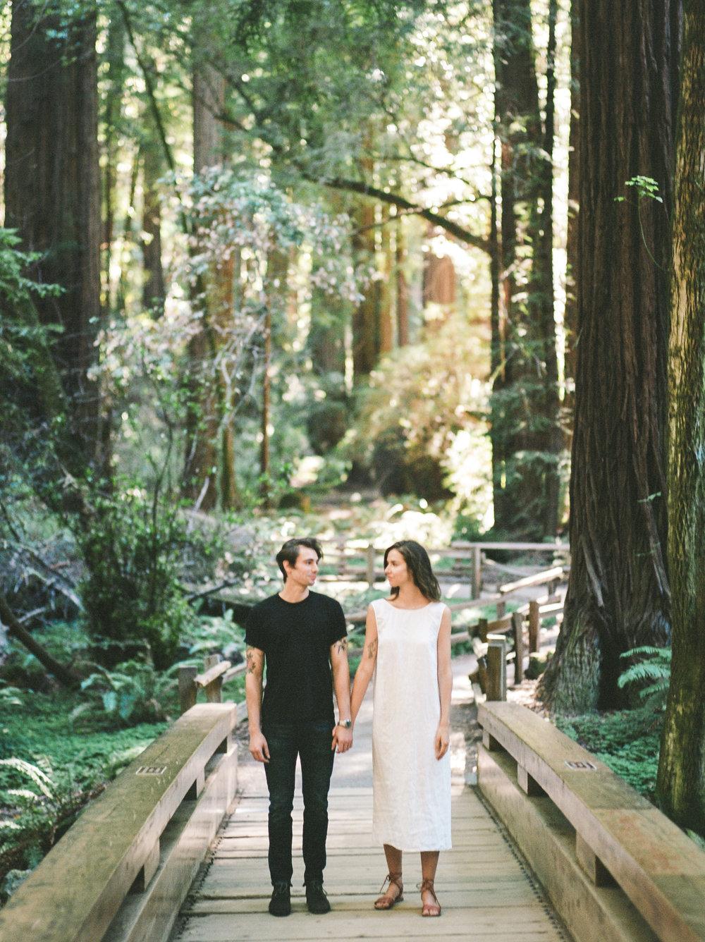 Flo&Romain(woods)-13.jpg