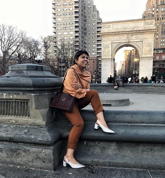 Fact: I'm always planning my next dessert to indulge 🧁 . . . . . #streetstyle #currentlywearing #aboutalook #styleinspiration #styleinspo #styleblogger #nyc #newyork #newyorkcity #trendsetter #nycblogger #personalstyle #lifestyleblogger #instablog #livecolorfully #liveauthentic #liveauthentically #girlboss #makersgonnamake #visualgang #whatiwore #springfashion #outfitinspo #outfits #igstyle #fashionista #igstyleblogger #streetstyleluxe #stylehunter