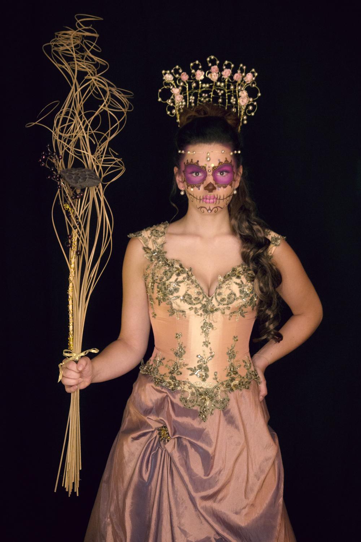 Evie Queen.jpg
