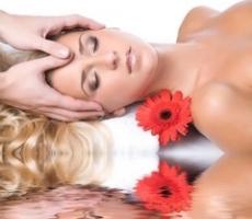 180215 Becs Sheer Relief woman head being massaged.jpeg