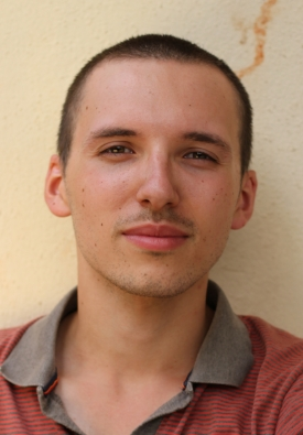 Simon Panay, France - Simon Panay is 23. He made his first fiction short film « Drôle de Guerre » at 19. 2012, he shot his first documentary film in Africa : Tontines, une affaire de femmes (52min) and 2014 his second documentary « Waiting for the (t)rain » (26min). This film get 132 Official Selections all over the world, 31 Awards. 2014, he received a prize of best talented young director of the year from the prestigious organization ARP.