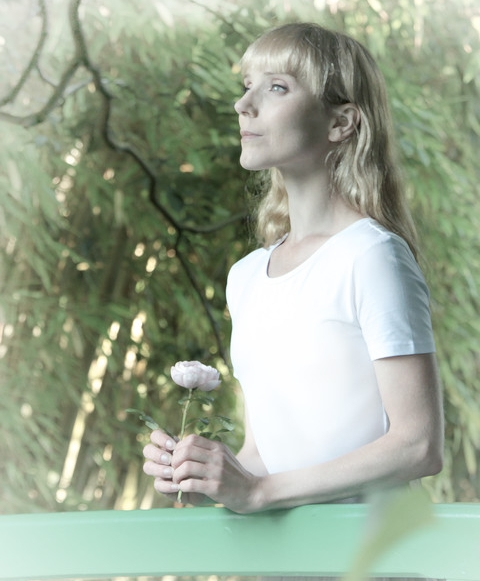 Dreams of Giverny - A modern day ghost story told through the poetic use of classical ballet, set in the gardens and around the water lily pond of Claude Monet's home in Giverny, France. Directed by Alice Pennefather.