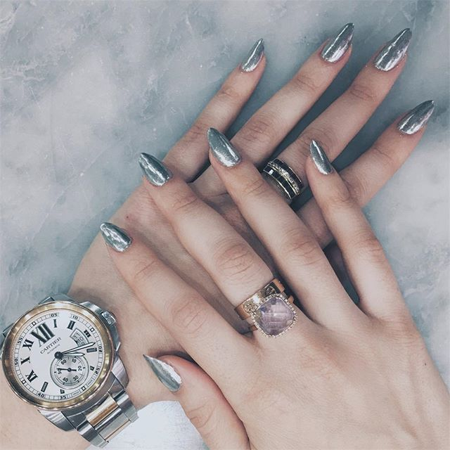 Sucker for Chrome @freshspanails