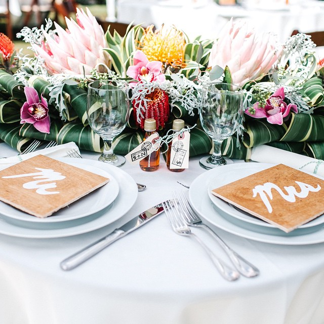 Floral: Flower Farm | Venue: Sunset Ranch | Photography: Mary Claire Photography | Equipment: Pacific Party Rentals