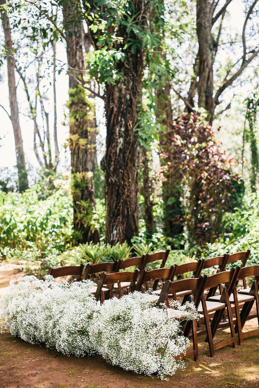 Floral and Design: Passion Roots | Venue: Sunset Ranch Hawaii | Photography: Christie Pham Photography | Equipment: Pacific Party Rentals
