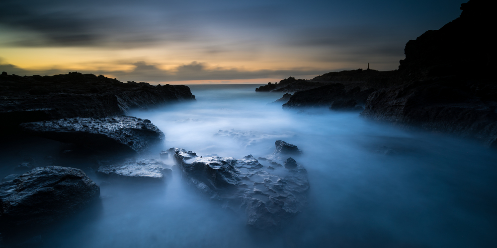 Sunrise at Sandy Beach Park Oahu, Hawaii Stacked Lee Big Stopper &3 stop hard grad Sony A7S II |  181 sec. |  f/8 |  ISO 50  |  Sony 16-35mm @ 16mm Edited in Lightroom & PhotoshopCC 2015 Copyright 2016 Ryan Sakamoto, All rights reserved