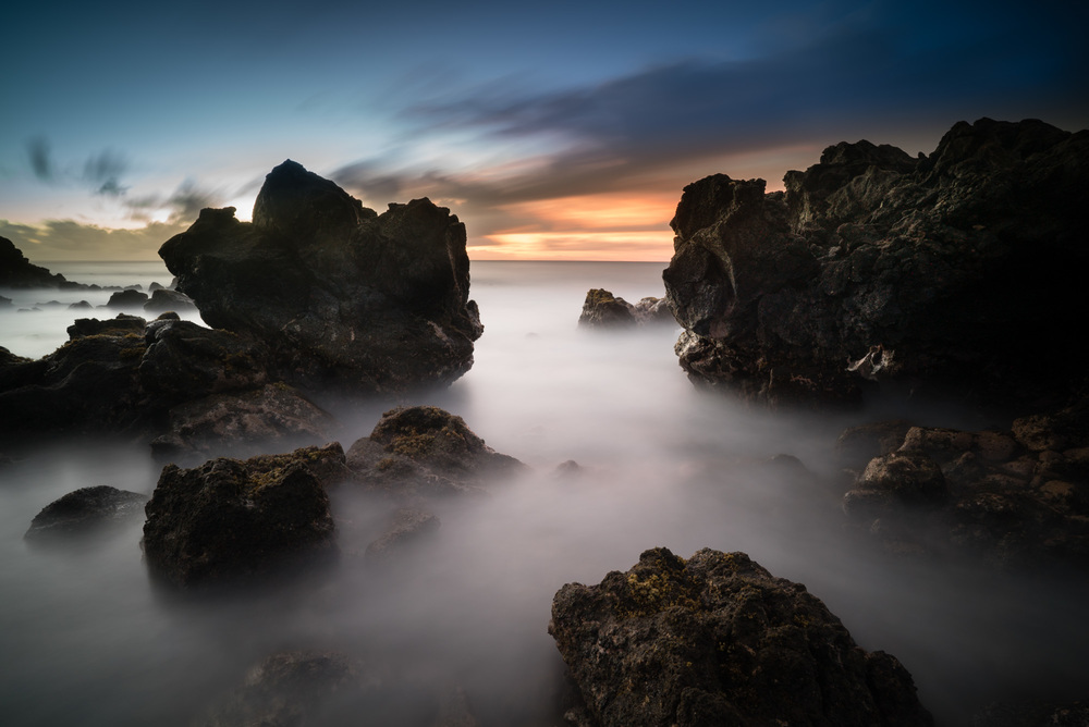 Hawaiian Sunrise On the East Side Lee Filter Little Stopper & 3 stop medium grad Sony A7S II    |    181 sec.    |    f/8   |    ISO 50    |    Zeiss Batis 18mm  Edited in Lightroom CC 2015  Copyright 2016 Ryan Sakamoto, All rights reserved