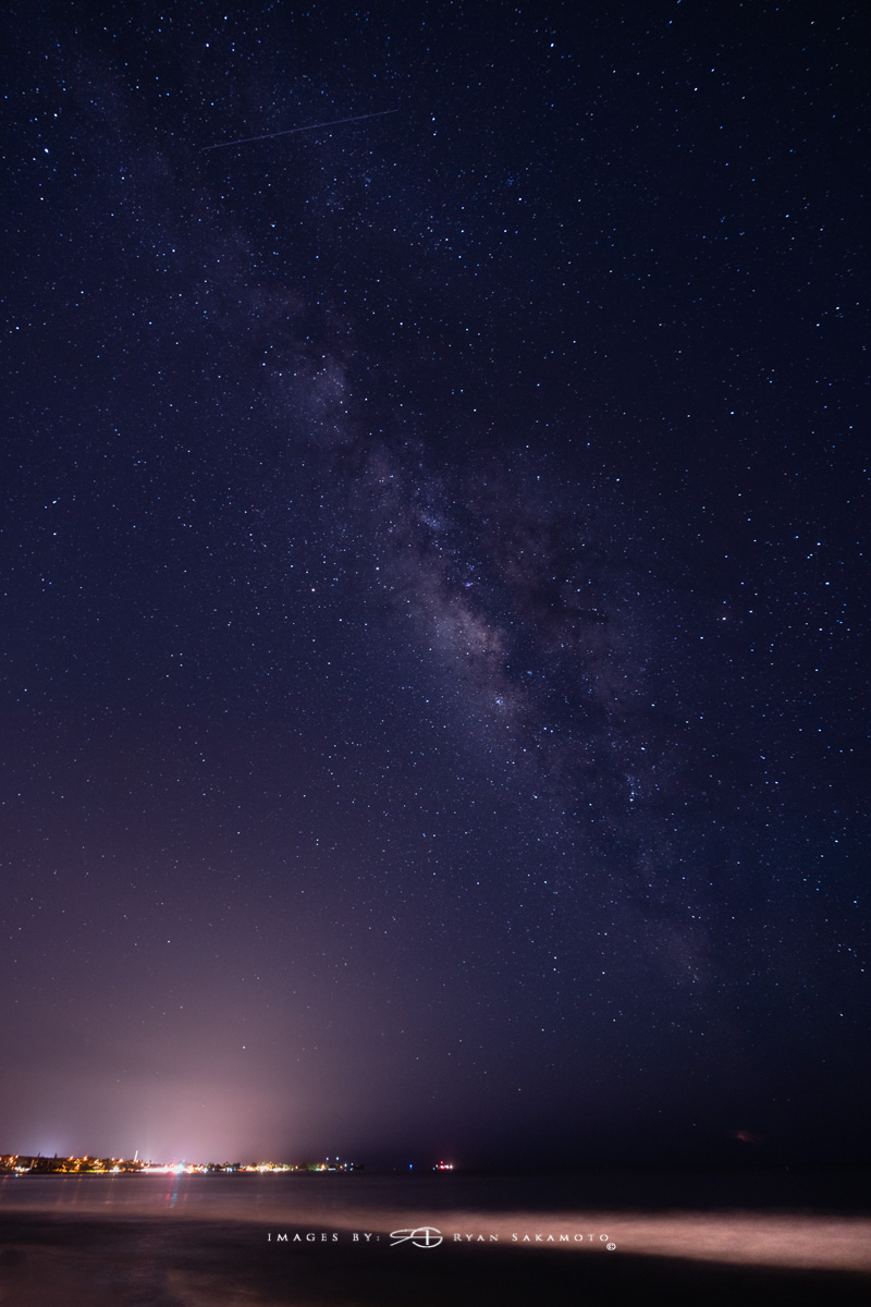 Maui Milky Way, Hawaii  Sony A7R III    |      20 sec.    |  f/2.8  |   ISO 1600   |   Sony FE 16-35mm GM F/2.8       Single Frame Edit  Edited in Lightroom Classic & Photoshop CC 2018 Copyright 2018 Ryan Sakamoto, All rights reserved