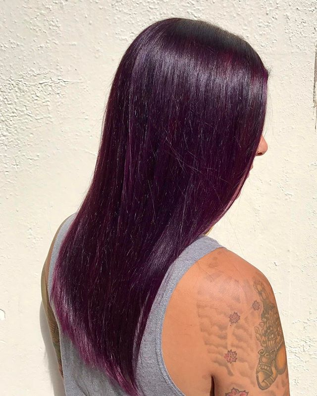 Loving this shiny jewel tone🔮 Davines Mask 4,22 + 20vol, and drenched in Joico intensity Amethyst Purple . . #joicocolorintensity #davinescolor #purple #purplehair #amethystpurple #yyj #yyjhair #yyjstylist #victoriabc #copperandashcollective #haircolor #shiny #shinyhair
