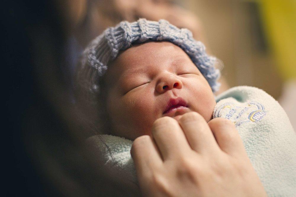 newborn-2553566.jpg