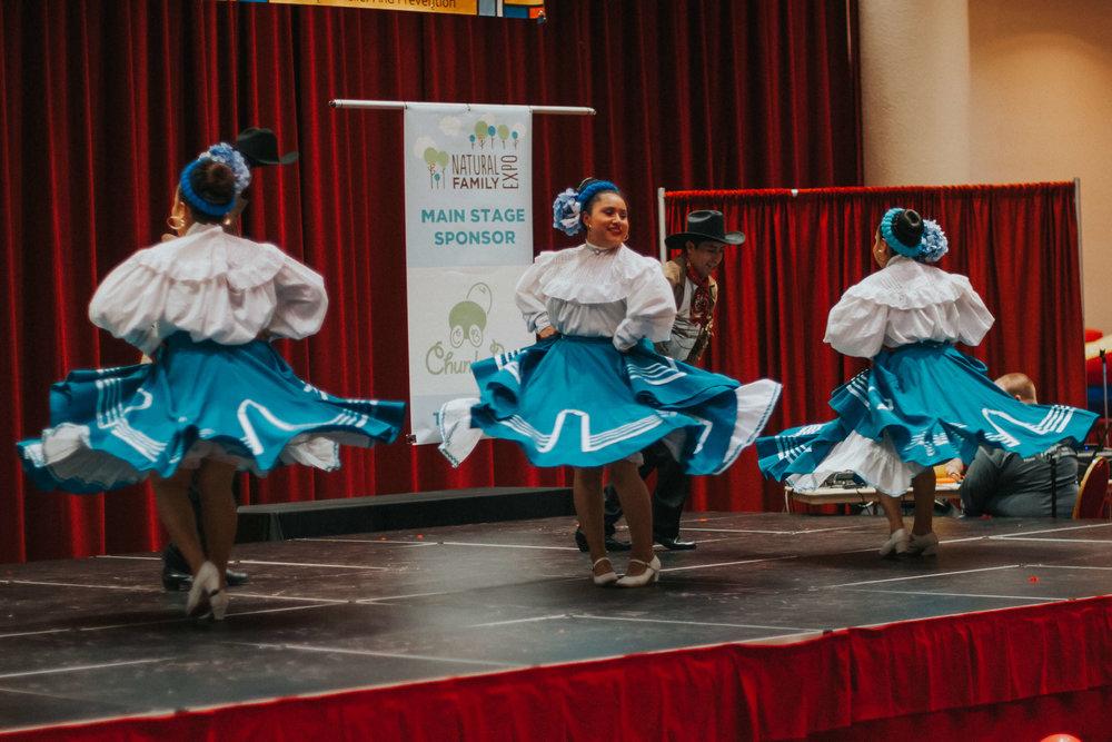 Natural Family Expo - HR44 - Ballet Folklorico Mexico de Carlos y Sonia Avila.jpg