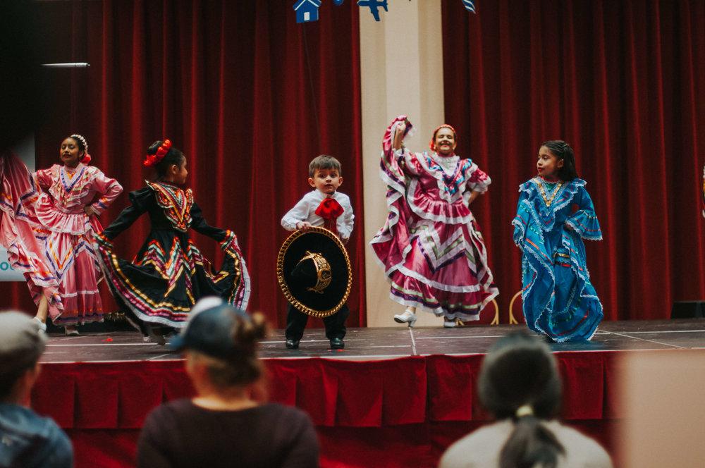 Natural Family Expo - HR47 - Ballet Folklorico Mexico de Carlos y Sonia Avila.jpg
