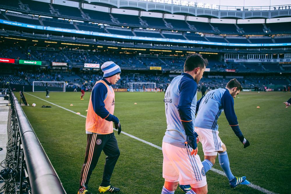 David Villa and co warming up at Yankee Stadium. (Photo courtesy of Sebastian Ramirez)