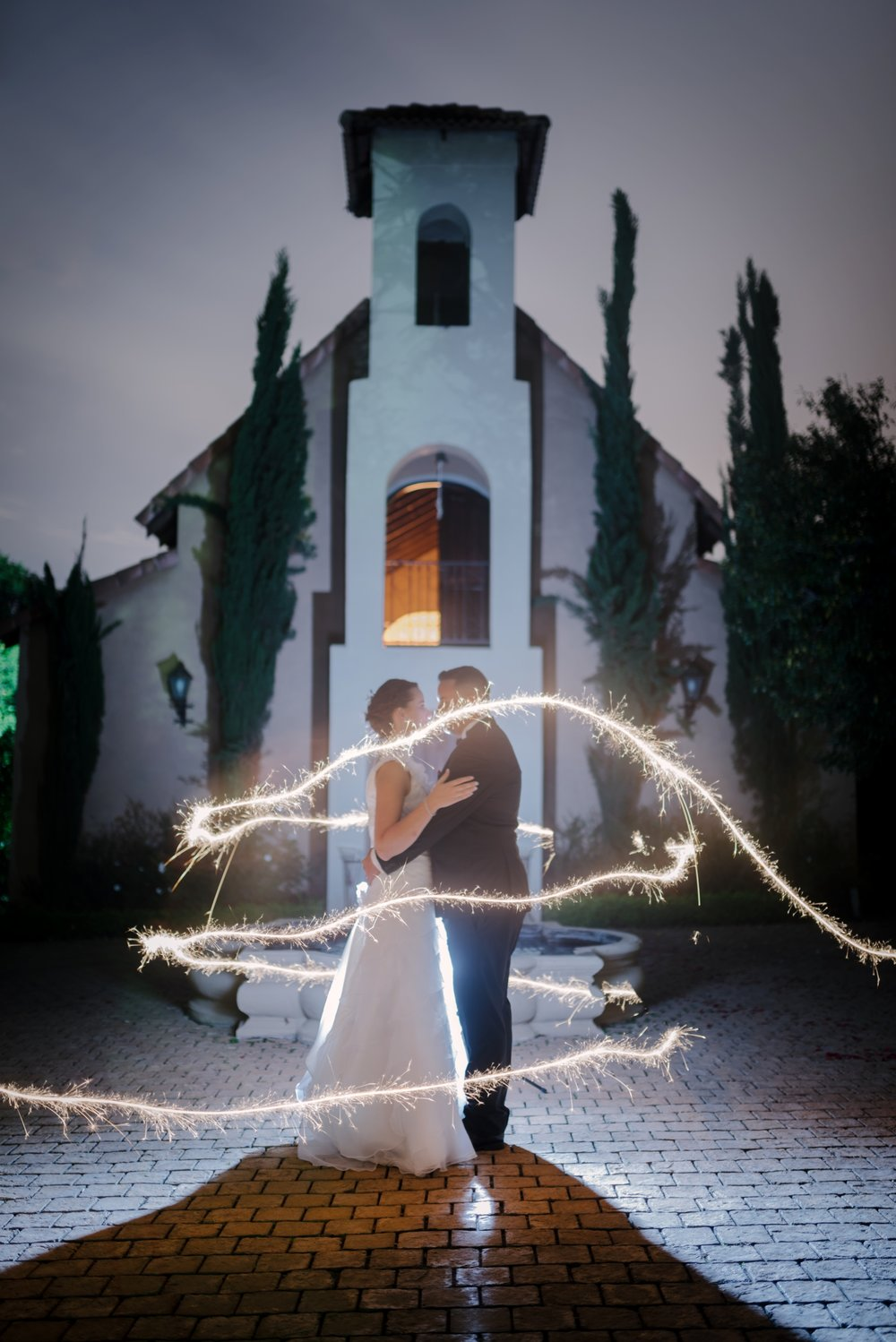 wedding photography, The Moon and Sixpense, wedding photos, beautiful bride, exquisite wedding, sparkler, night photo