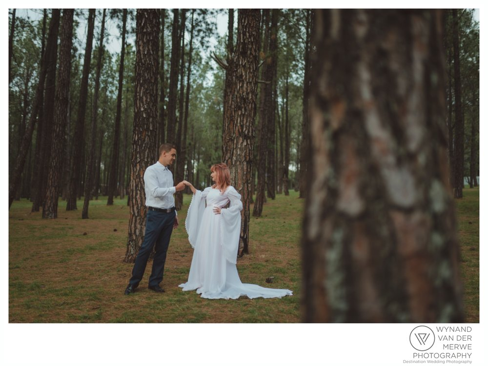 WvdM_KyleChantell_engagementshoot_engaged_bryanstonpineforest_creativeweddingphotographer_gauteng_southafrica_butterflyblush-81.jpg