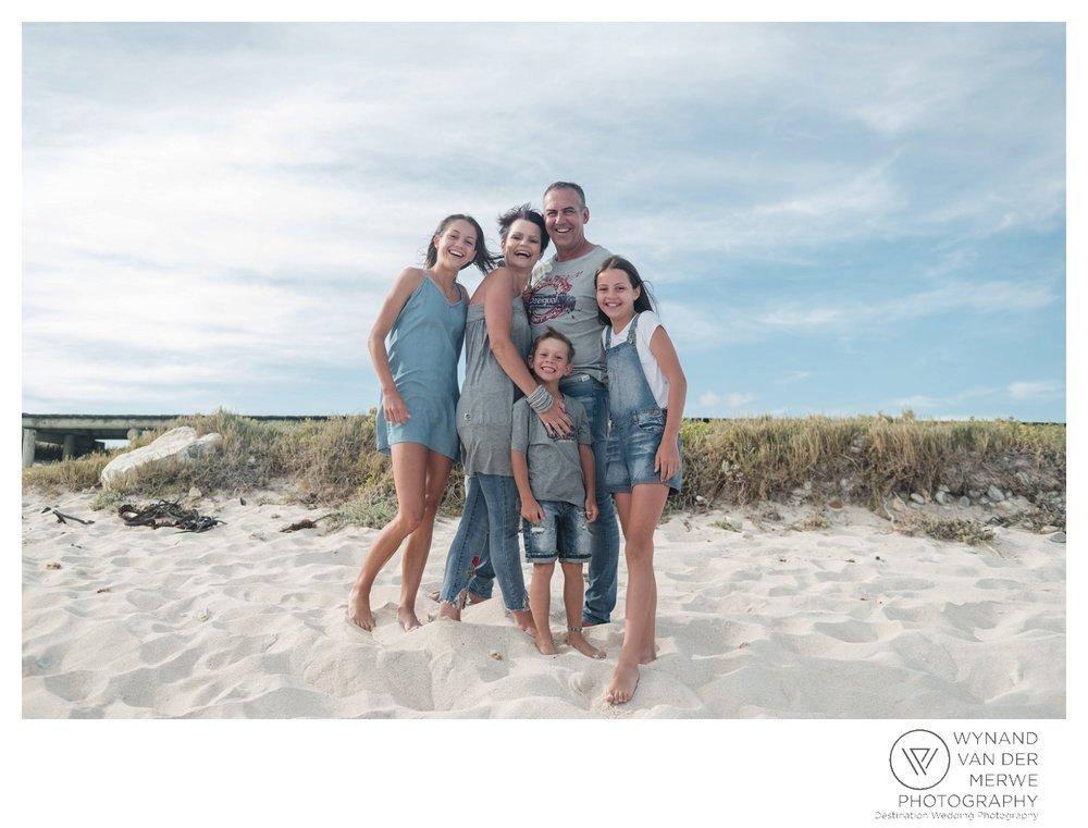 WvdM_minisessions_photos_capeagulhas_lighthouse_capeagulhaslighthouse_family_familyphotography_2017_lizethaucamp-8.jpg