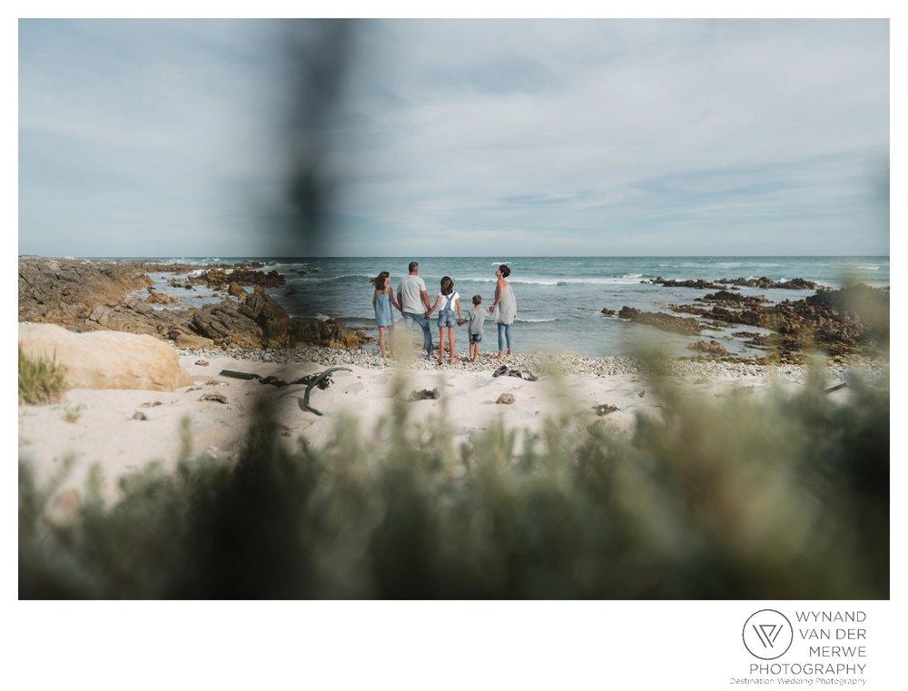 WvdM_minisessions_photos_capeagulhas_lighthouse_capeagulhaslighthouse_family_familyphotography_2017_lizethaucamp-61.jpg