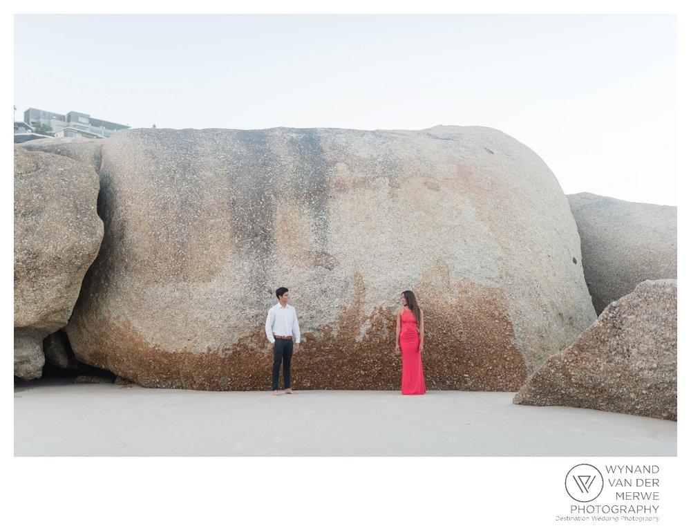 WvdM_engagementshoot_engaged_couple_prewedding_llandudno_cliftonbeach_beach_formal_southafrica_weddingphotographer_greernicolas-10.jpg