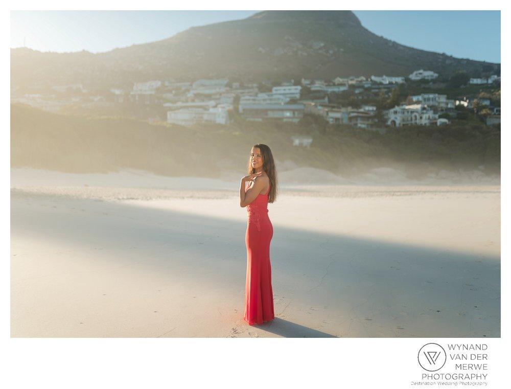 WvdM_engagementshoot_engaged_couple_prewedding_llandudno_cliftonbeach_beach_formal_southafrica_weddingphotographer_greernicolas-70.jpg