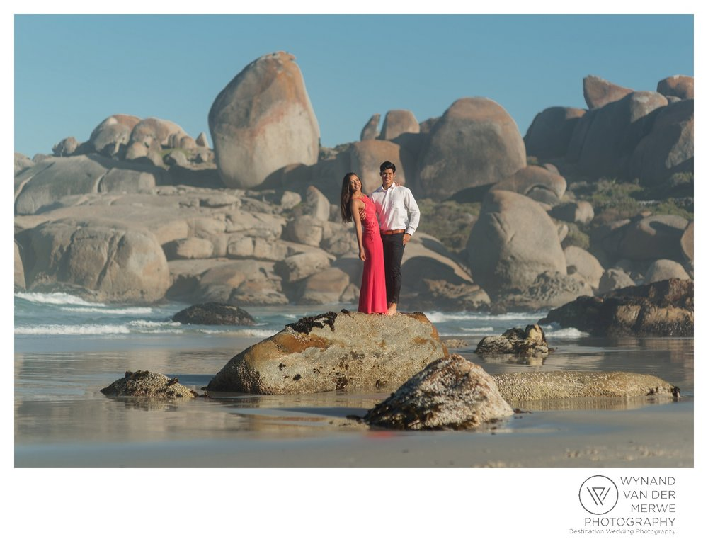 WvdM_engagementshoot_engaged_couple_prewedding_llandudno_cliftonbeach_beach_formal_southafrica_weddingphotographer_greernicolas-83.jpg