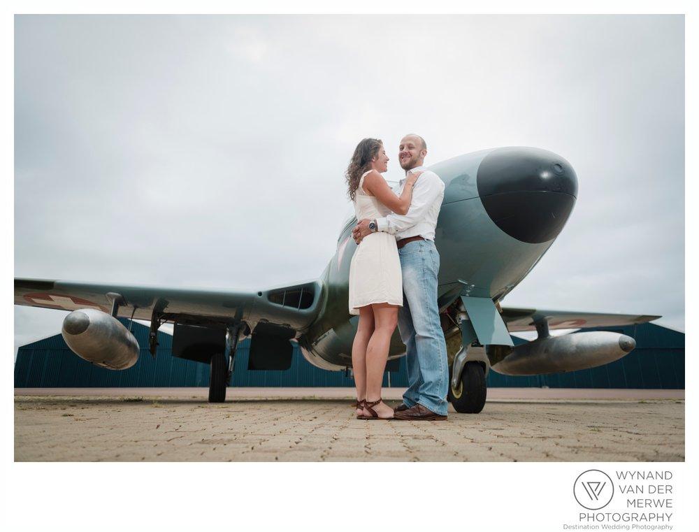 WynandvanderMerwe_weddingphotography_engagementshoot_wonderboomairport_aeroplane_klaasjanmareli_gauteng_2018-1.jpg