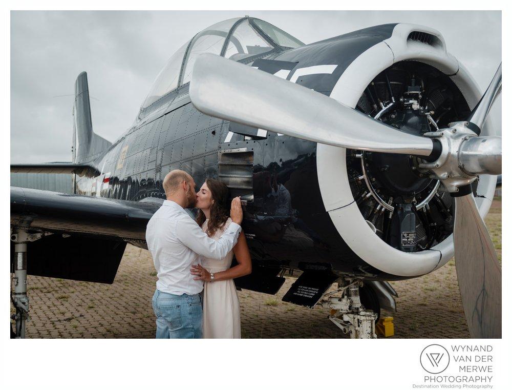 WynandvanderMerwe_weddingphotography_engagementshoot_wonderboomairport_aeroplane_klaasjanmareli_gauteng_2018-5b.jpg