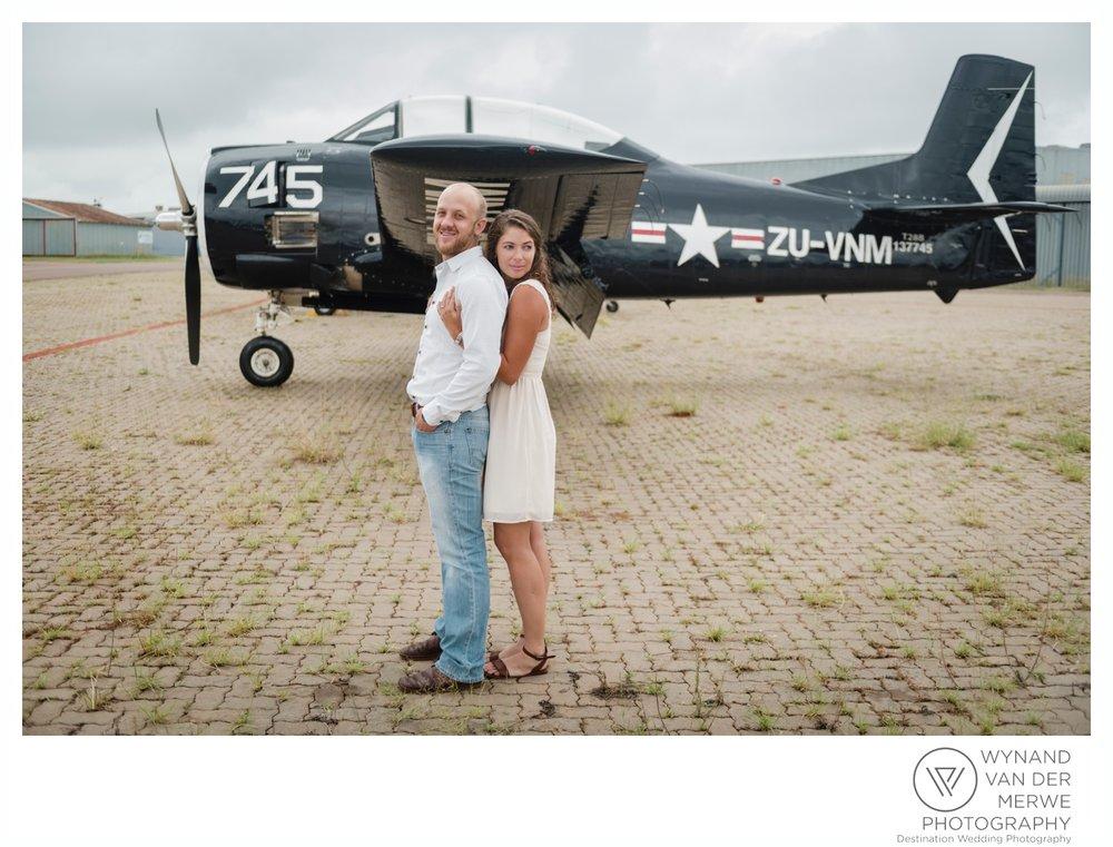 WynandvanderMerwe_weddingphotography_engagementshoot_wonderboomairport_aeroplane_klaasjanmareli_gauteng_2018-8.jpg