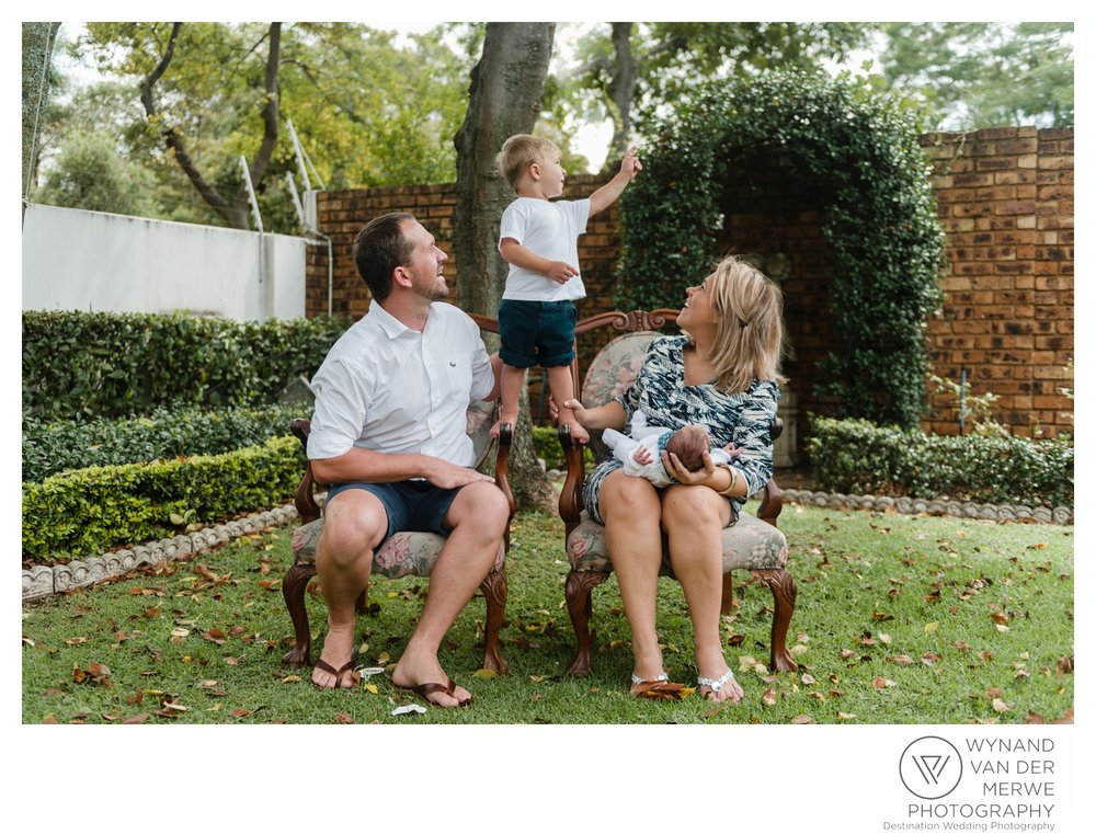 WynandvanderMerwe_weddingphotographer_familyshoot_lifestylesession_home_family_lizedeon_kids_2boys_babybrother_gauteng_southafrica-8.jpg