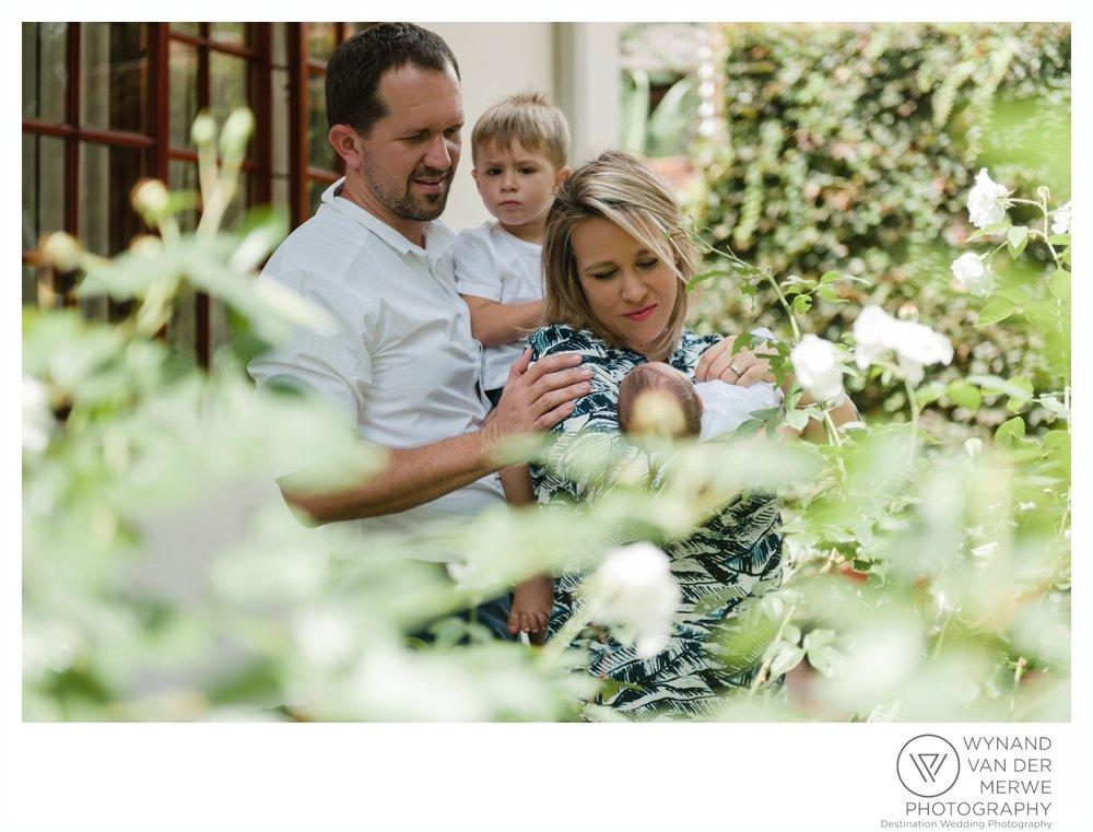 WynandvanderMerwe_weddingphotographer_familyshoot_lifestylesession_home_family_lizedeon_kids_2boys_babybrother_gauteng_southafrica-15.jpg