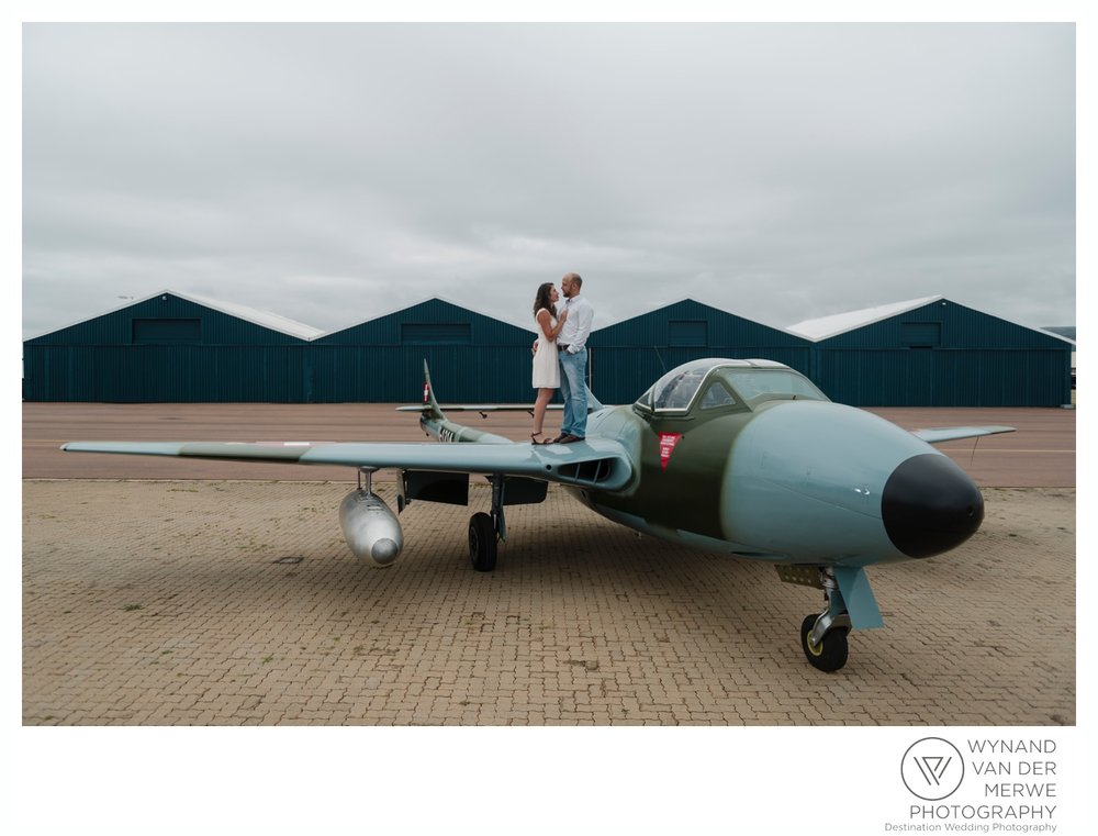 KlaasJan & Mareli's Engagement shoot at Wonderboom Airport