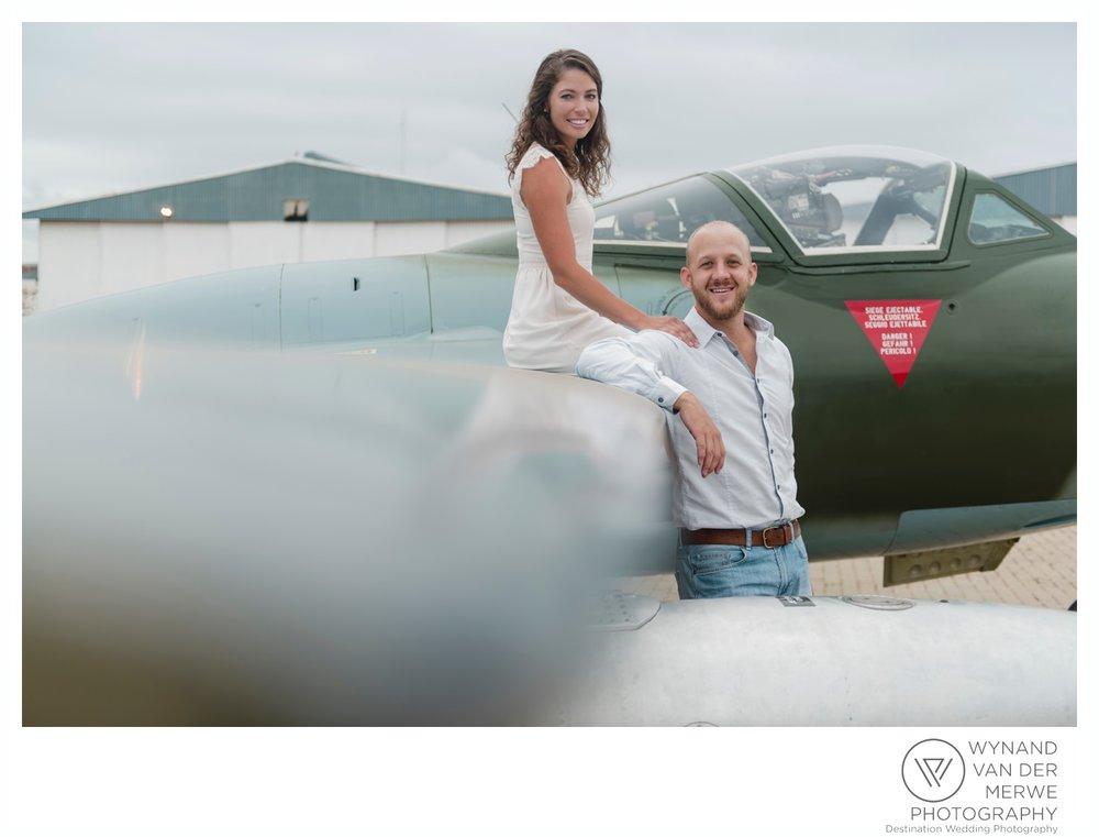 WynandvanderMerwe_weddingphotography_engagementshoot_wonderboomairport_aeroplane_klaasjanmareli_gauteng_2018-32.jpg