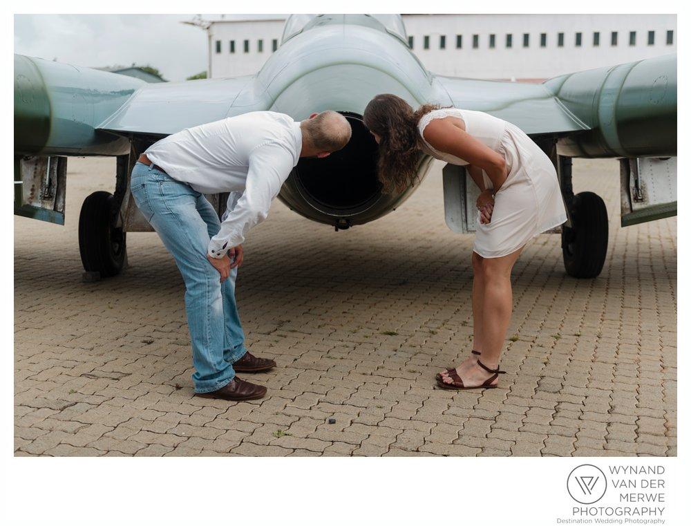 WynandvanderMerwe_weddingphotography_engagementshoot_wonderboomairport_aeroplane_klaasjanmareli_gauteng_2018-47.jpg