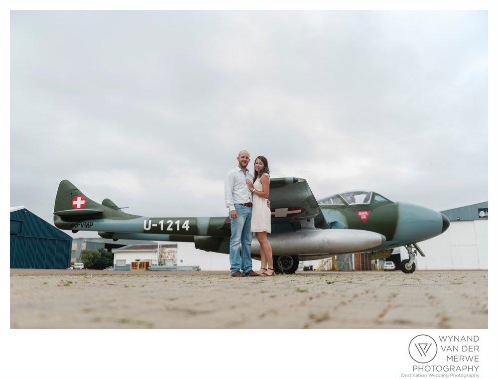 WynandvanderMerwe_weddingphotography_engagementshoot_wonderboomairport_aeroplane_klaasjanmareli_gauteng_2018-48.jpg