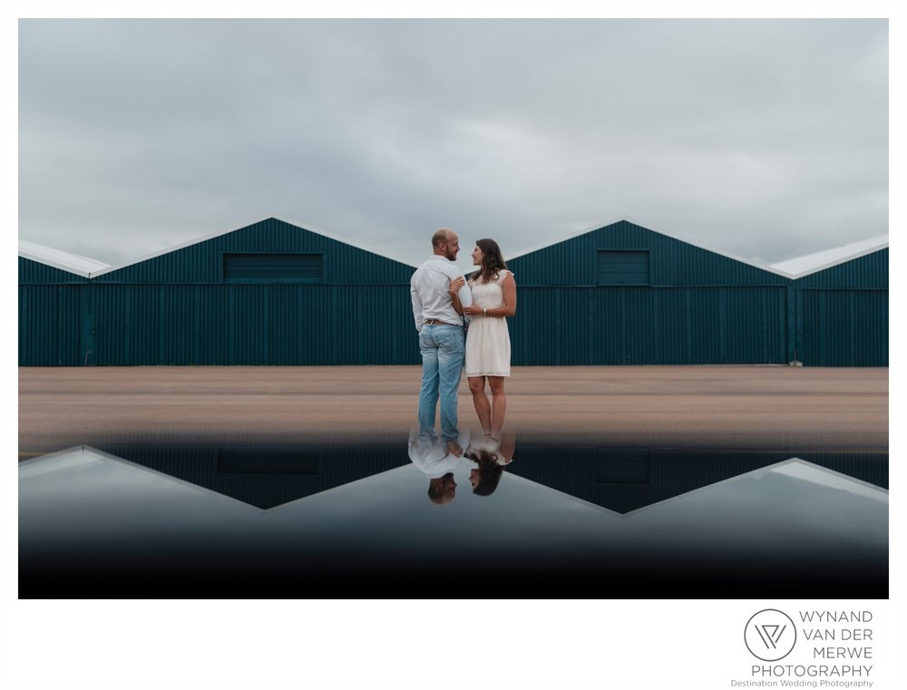 WynandvanderMerwe_weddingphotography_engagementshoot_wonderboomairport_aeroplane_klaasjanmareli_gauteng_2018-54.jpg