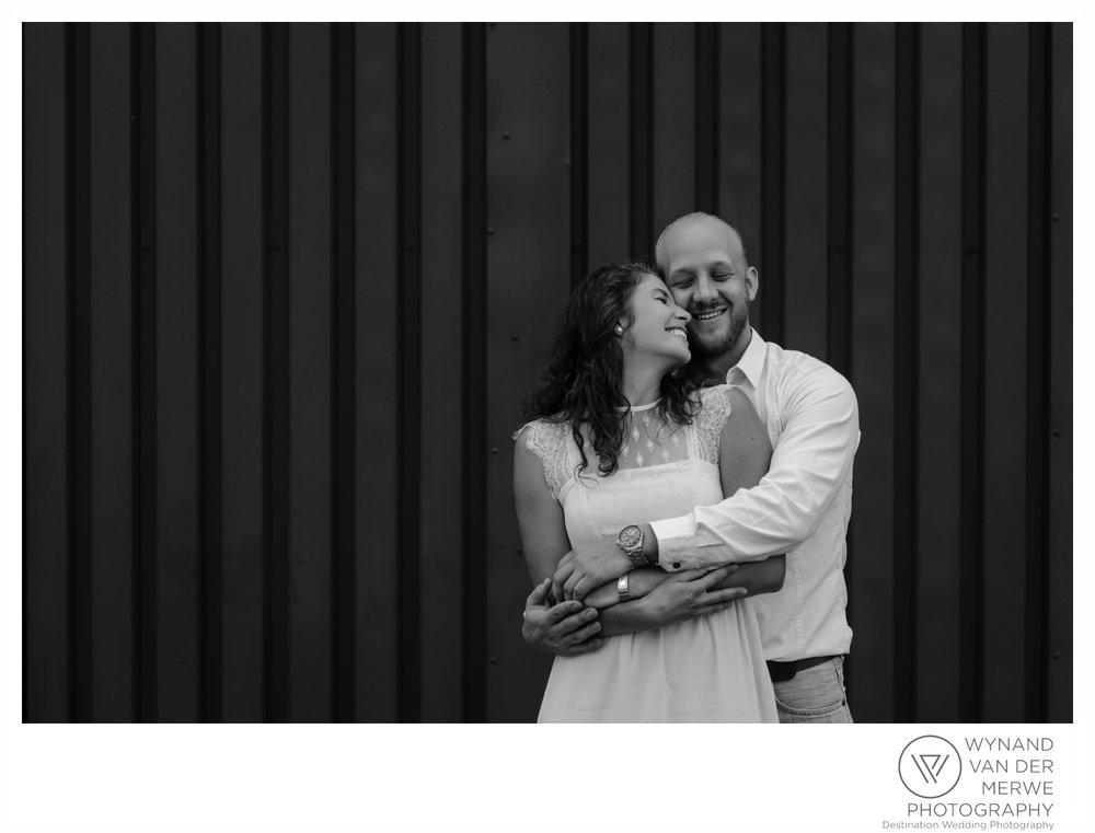 WynandvanderMerwe_weddingphotography_engagementshoot_wonderboomairport_aeroplane_klaasjanmareli_gauteng_2018-75.jpg