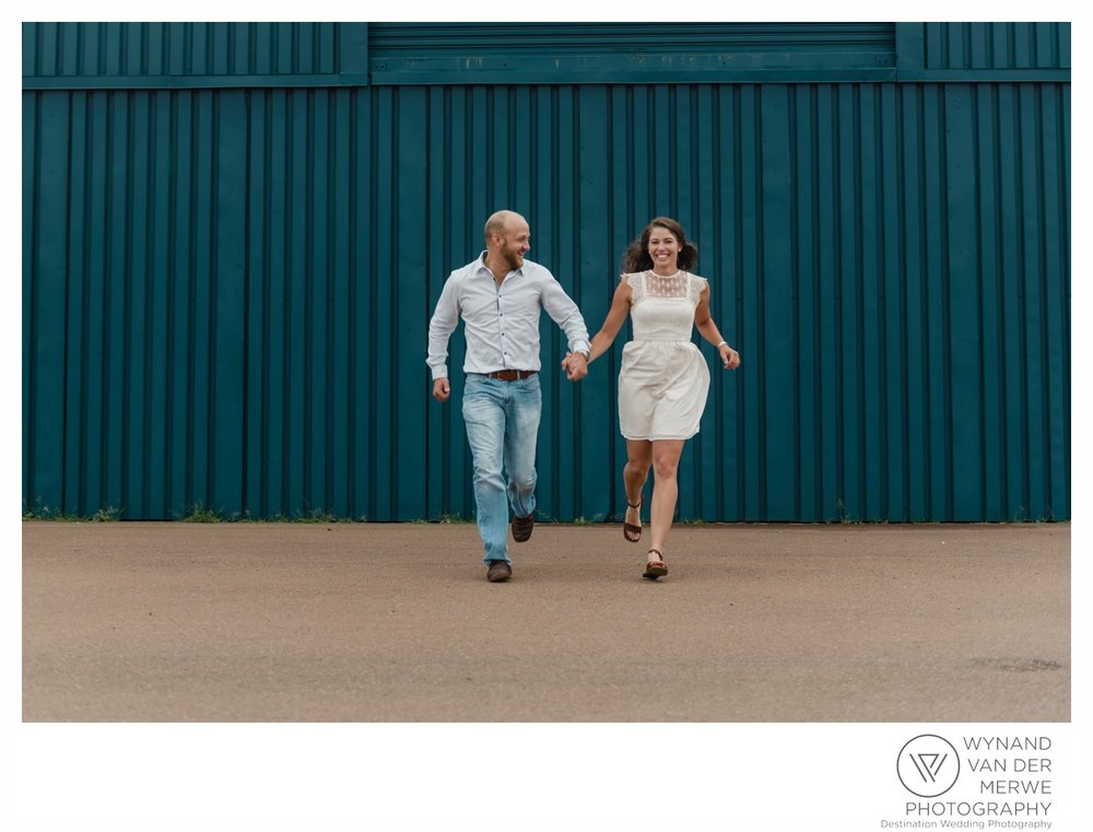 WynandvanderMerwe_weddingphotography_engagementshoot_wonderboomairport_aeroplane_klaasjanmareli_gauteng_2018-87.jpg