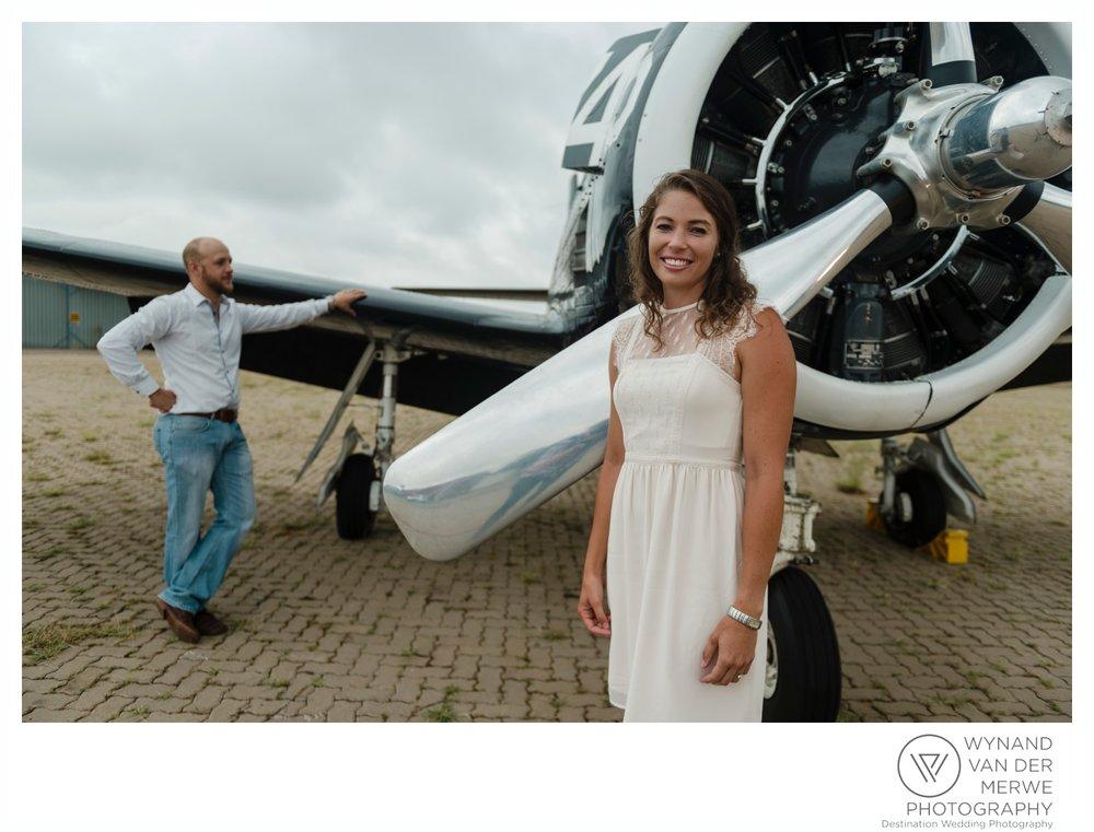 WynandvanderMerwe_weddingphotography_engagementshoot_wonderboomairport_aeroplane_klaasjanmareli_gauteng_2018-99.jpg