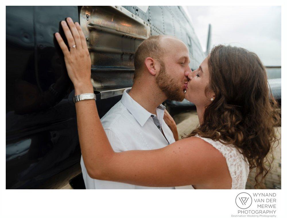 WynandvanderMerwe_weddingphotography_engagementshoot_wonderboomairport_aeroplane_klaasjanmareli_gauteng_2018-112.jpg